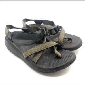 Women's Chaco Brown Sandals with toe strap loop